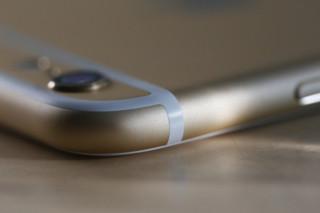 iphone-6-plus-corner-macro