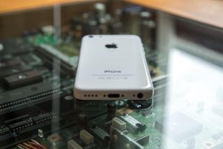 iphone5c-back-low-angle
