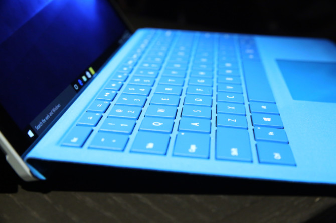 microsoft-surface-pro-4-type-cover-detail